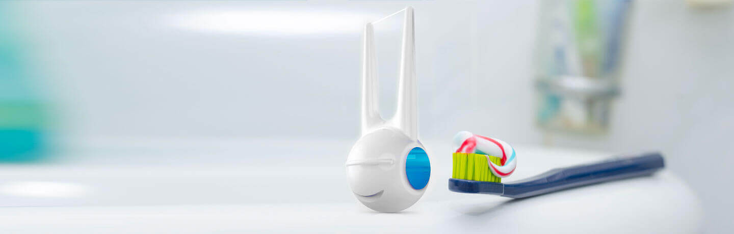 rolli-dental-floss-further-help-oral-hygiene